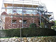 レンガ積の家